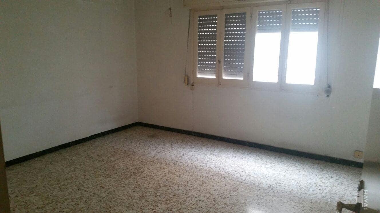 Piso en venta en Piso en Crevillent, Alicante, 40.000 €, 2 habitaciones, 2 baños, 72 m2