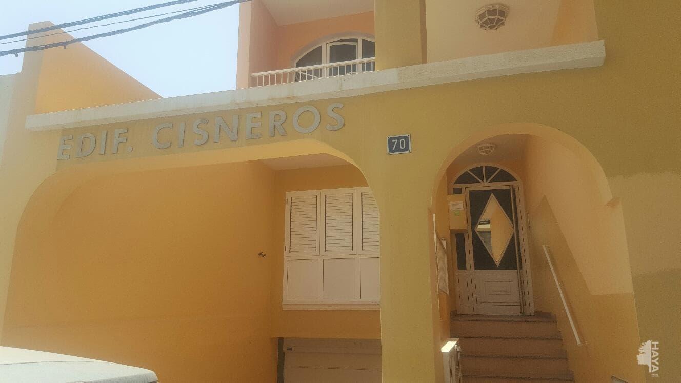 Piso en venta en El Charco, Puerto del Rosario, Las Palmas, Calle Cisneros, 87.500 €, 3 habitaciones, 2 baños, 91 m2