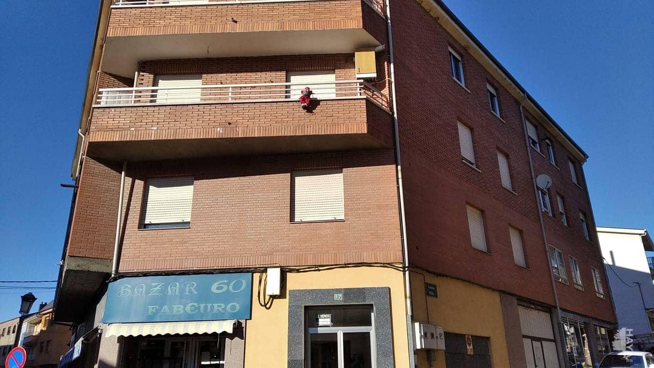 Piso en venta en Fabero, León, Calle Gil Carrasco, 56.000 €, 3 habitaciones, 2 baños, 148 m2