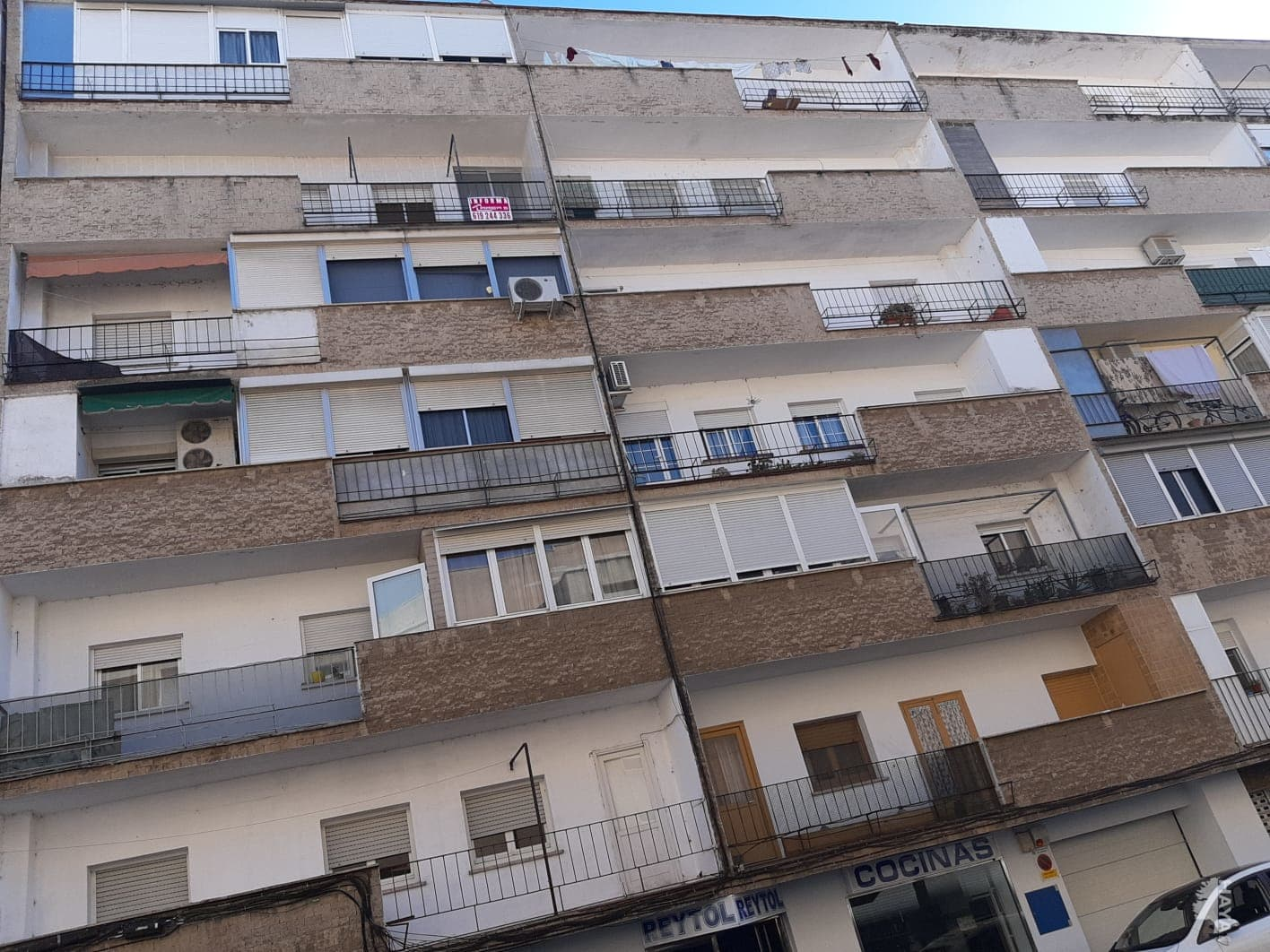 Piso en venta en Mérida, Badajoz, Calle Caceres, 30.000 €, 3 habitaciones, 1 baño, 93 m2
