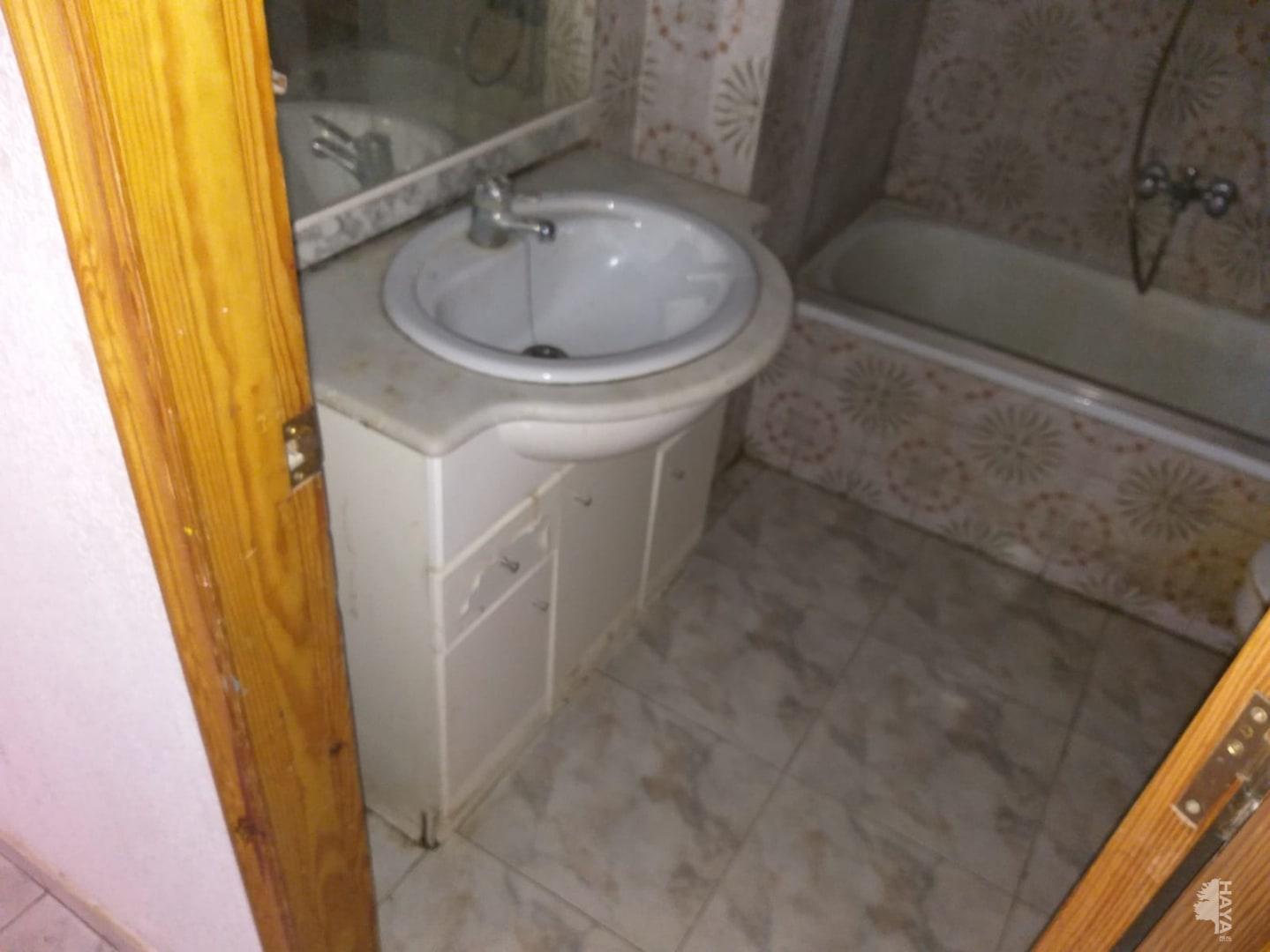 Piso en venta en Piso en Figueres, Girona, 52.326 €, 3 habitaciones, 1 baño, 95 m2