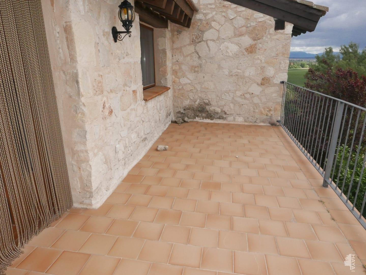 Casa en venta en Casa en Grajera, Segovia, 222.000 €, 4 habitaciones, 2 baños, 392 m2, Garaje