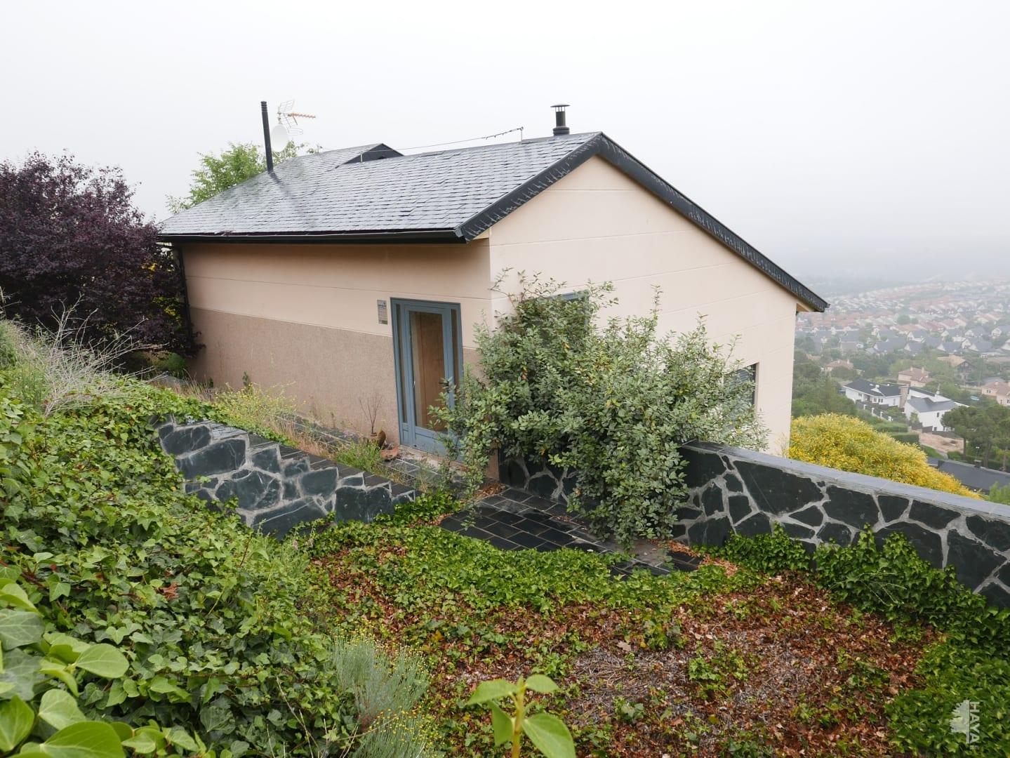 Casa en venta en Casa en El Espinar, Segovia, 207.400 €, 4 habitaciones, 2 baños, 211 m2