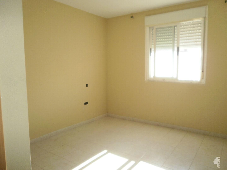Piso en venta en Piso en Montijo, Badajoz, 68.000 €, 3 habitaciones, 2 baños, 119 m2, Garaje