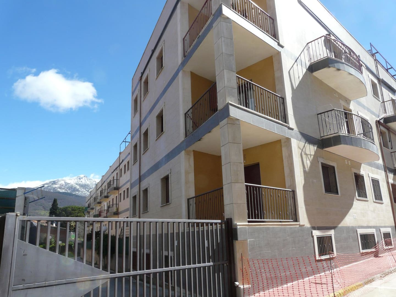 Piso en venta en Hervás, Cáceres, Calle Carpinteros, 106.274 €, 2 habitaciones, 2 baños, 129 m2