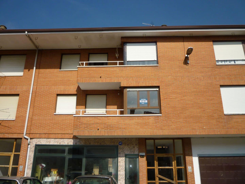 Piso en venta en Ramales de la Victoria, Ramales de la Victoria, Cantabria, Urbanización Gibaja, 52.300 €, 3 habitaciones, 1 baño, 92 m2