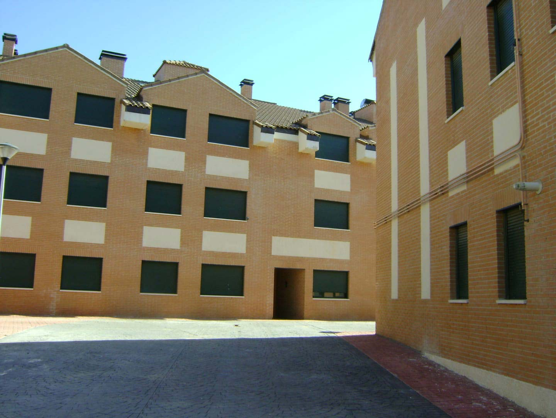 Piso en venta en Yepes, Yepes, Toledo, Avenida S Luis, 81.000 €, 2 habitaciones, 1 baño, 104 m2
