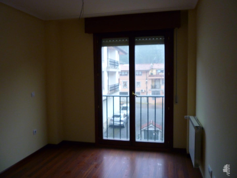 Piso en venta en Ramales de la Victoria, Cantabria, Urbanización Llosa de Palacio, 45.700 €, 1 habitación, 1 baño, 70 m2