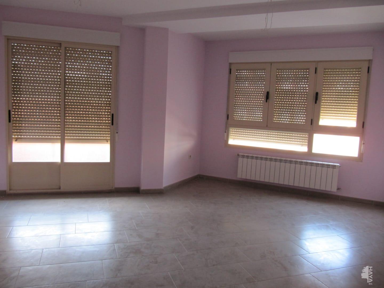 Piso en venta en Villarrobledo, Albacete, Avenida Reyes Catolicos, 65.600 €, 2 habitaciones, 1 baño, 75 m2