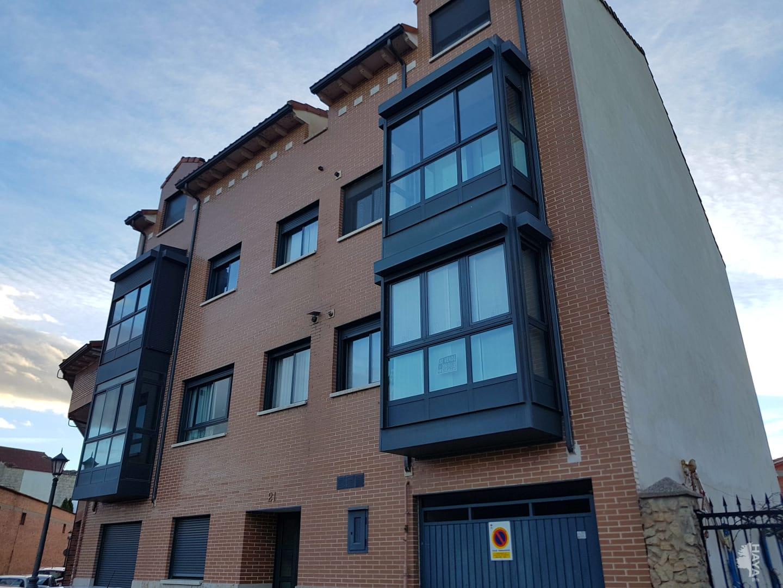 Piso en venta en Santovenia de Pisuerga, Valladolid, Calle Tamo, 77.800 €, 2 habitaciones, 1 baño, 80 m2
