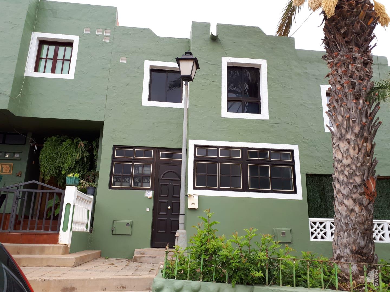 Piso en venta en Gáldar, Las Palmas, Calle Sindico Lorenzo Y Vazquez, 93.572 €, 3 habitaciones, 2 baños, 115 m2