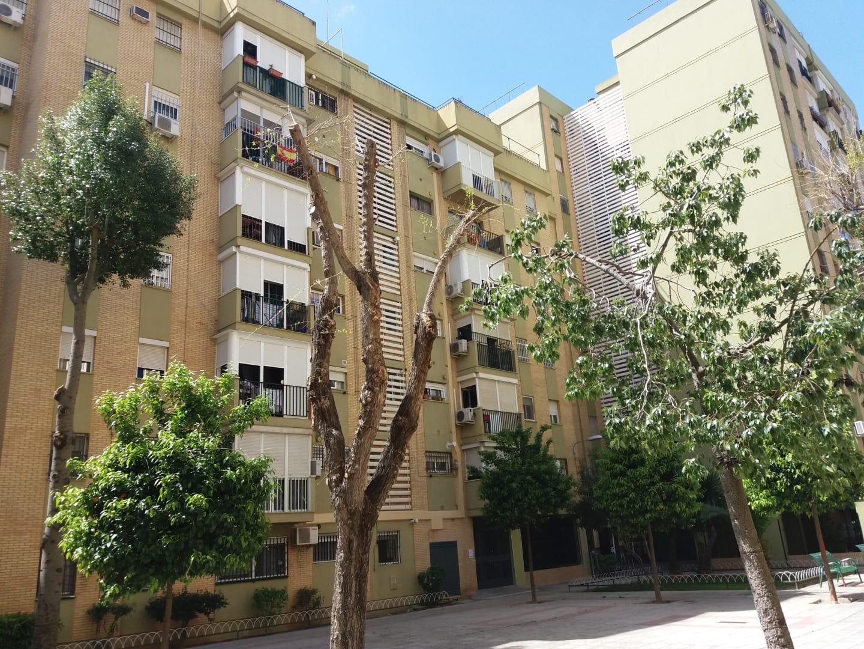 Piso en venta en Sevilla, Sevilla, Calle Mayorales, 107.194 €, 3 habitaciones, 1 baño, 81 m2