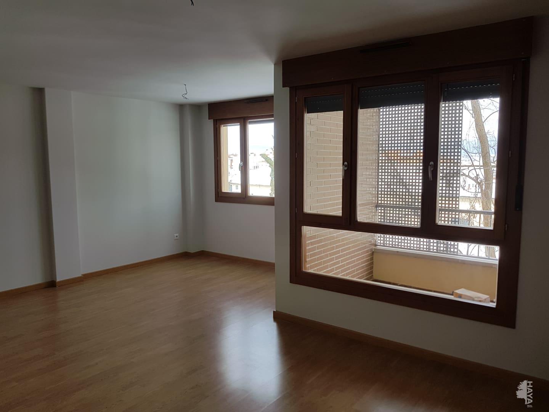 Piso en venta en Ólvega, Soria, Avenida America, 116.000 €, 1 baño, 119 m2