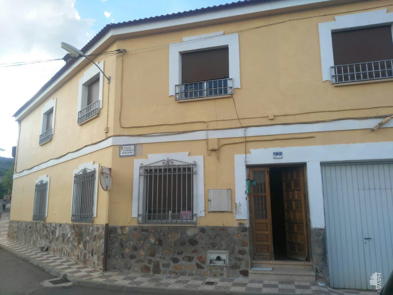 Casa en venta en Los Yébenes, Toledo, Calle Sanchez Robledo, 57.794 €, 6 habitaciones, 1 baño, 176 m2