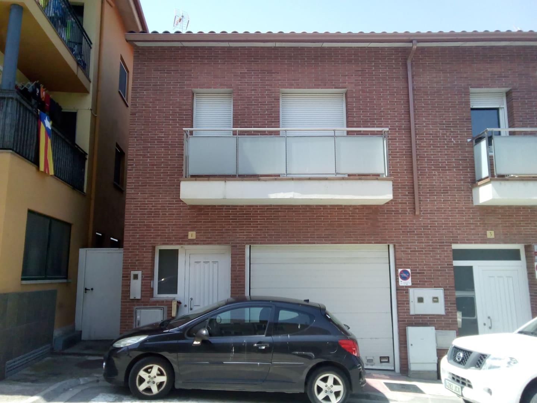 Casa en venta en Roda de Ter, Barcelona, Calle Ter, 170.195 €, 3 habitaciones, 3 baños, 149 m2