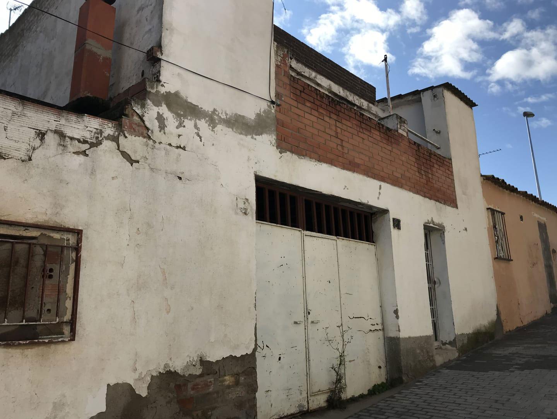 Casa en venta en Els Magraners, Lleida, Lleida, Calle Sant Francesc Xavier, 53.214 €, 3 habitaciones, 1 baño, 149 m2