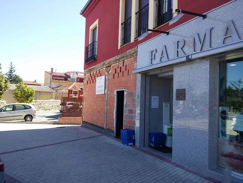 Piso en venta en Torrecaballeros, Torrecaballeros, Segovia, Calle Carretera de Soria, 90.000 €, 2 habitaciones, 128 m2