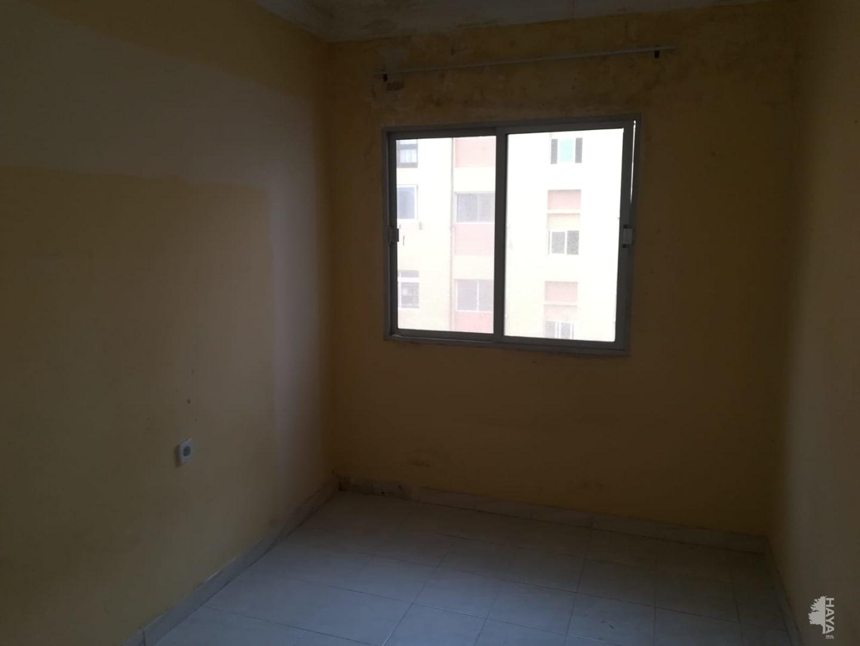 Piso en venta en Piso en la Palmas de Gran Canaria, Las Palmas, 38.319 €, 3 habitaciones, 1 baño, 73 m2