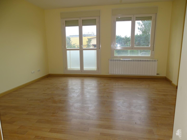 Piso en venta en Cenicero, La Rioja, Avenida Ricardo Ruiz Azcarraga, 77.000 €, 3 habitaciones, 2 baños, 140 m2