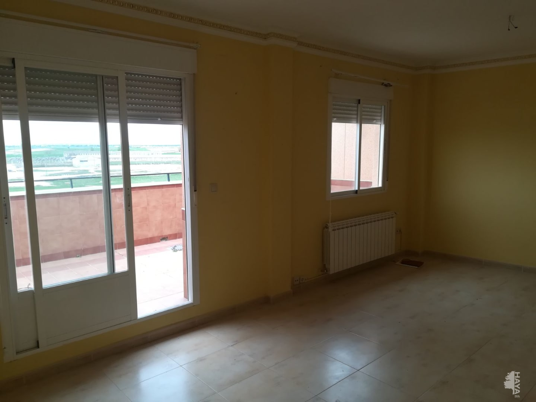 Piso en venta en Piso en la Roda, Albacete, 82.000 €, 3 habitaciones, 1 baño, 150 m2