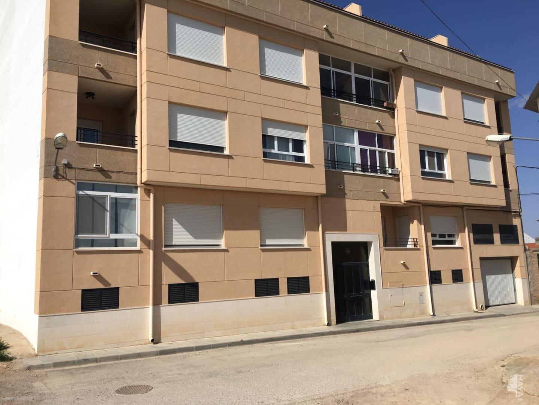 Piso en venta en La Roda, Albacete, Calle El Quijote, 84.000 €, 3 habitaciones, 1 baño, 122 m2