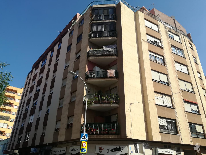 Piso en venta en Grupo San Vicente Ferrer, Castellón de la Plana/castelló de la Plana, Castellón, Calle Maestro Felip, 96.300 €, 3 habitaciones, 1 baño, 107 m2