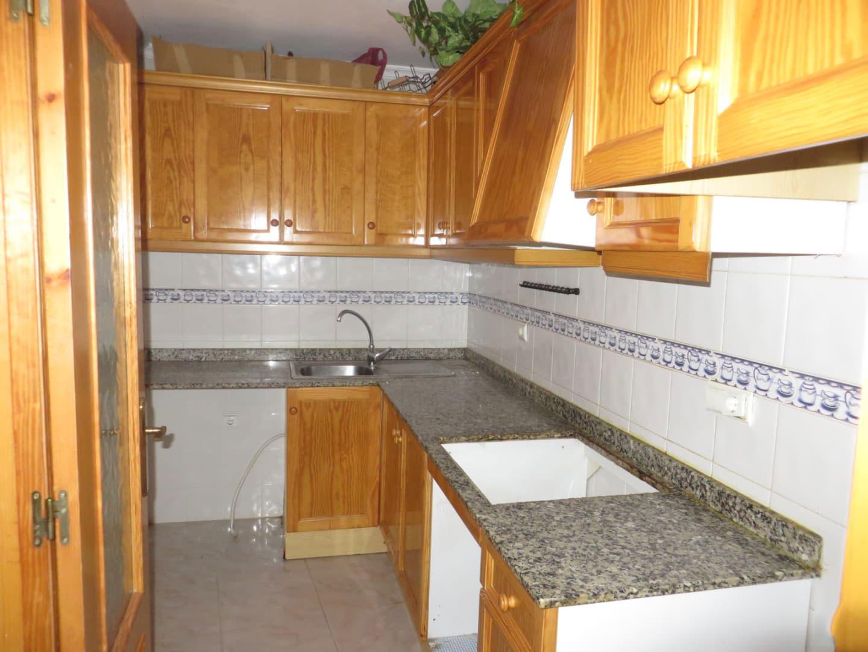 Piso en venta en Piso en Torrevieja, Alicante, 80.184 €, 2 habitaciones, 4 baños, 85 m2