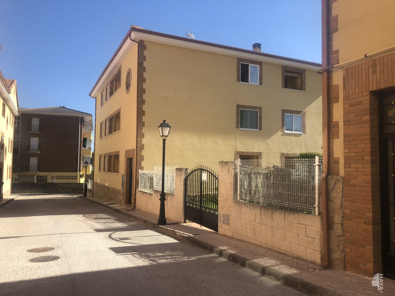 Piso en venta en Sotillo de la Adrada, Ávila, Avenida Doctor Rodriguez Miñon, 69.900 €, 3 habitaciones, 2 baños, 117 m2