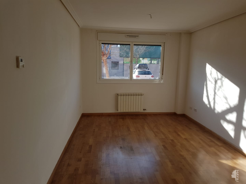 Piso en venta en Laguna de Duero, Valladolid, Calle Comunidad de Cantabria, 105.000 €, 2 habitaciones, 1 baño, 74 m2