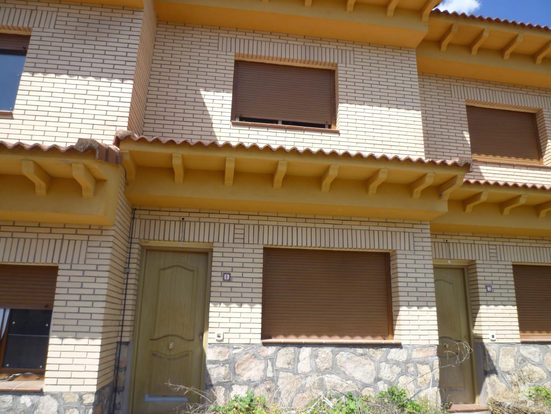 Casa en venta en Calle, la Adrada, Ávila, Calle Partida Extrarradio Picota, 70.000 €, 2 habitaciones, 1 baño, 84 m2