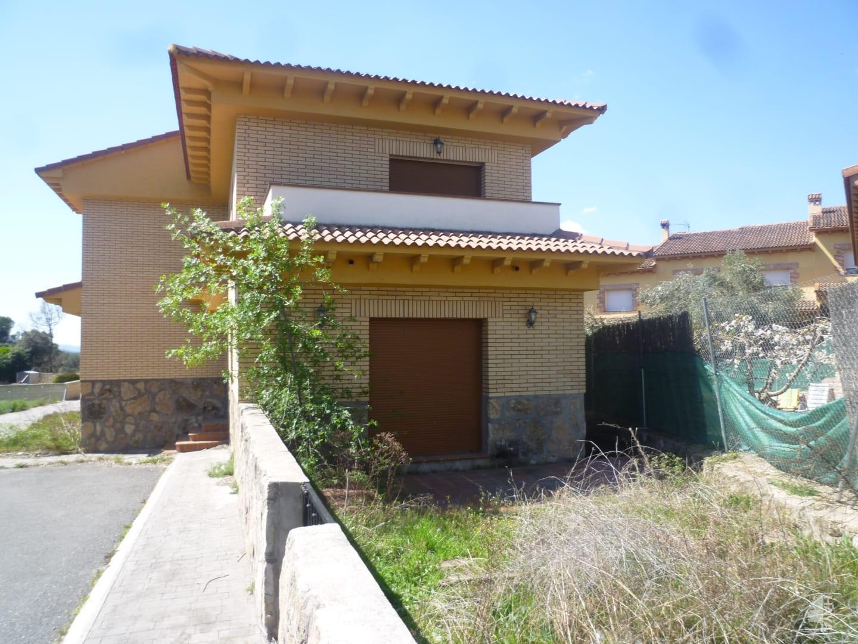 Casa en venta en La Adrada, Ávila, Calle Partida Extrarradio Picota, 161.000 €, 4 habitaciones, 1 baño, 220 m2