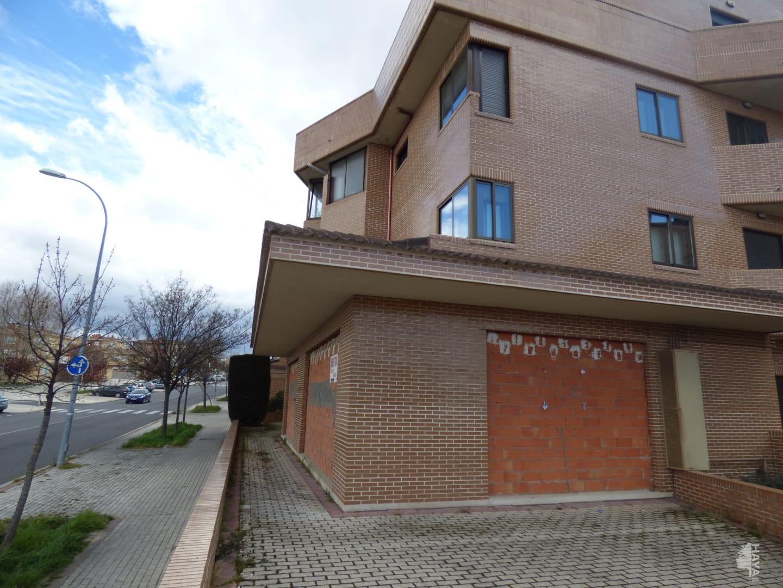 Local en venta en Ávila, Ávila, Calle Cron. Eduardo Ruiz Ayucar, 161.000 €, 183 m2