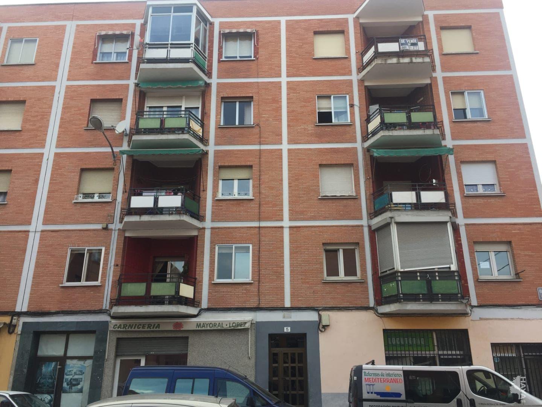 Piso en venta en Logroño, La Rioja, Calle Alameda, 43.000 €, 2 habitaciones, 1 baño, 94 m2