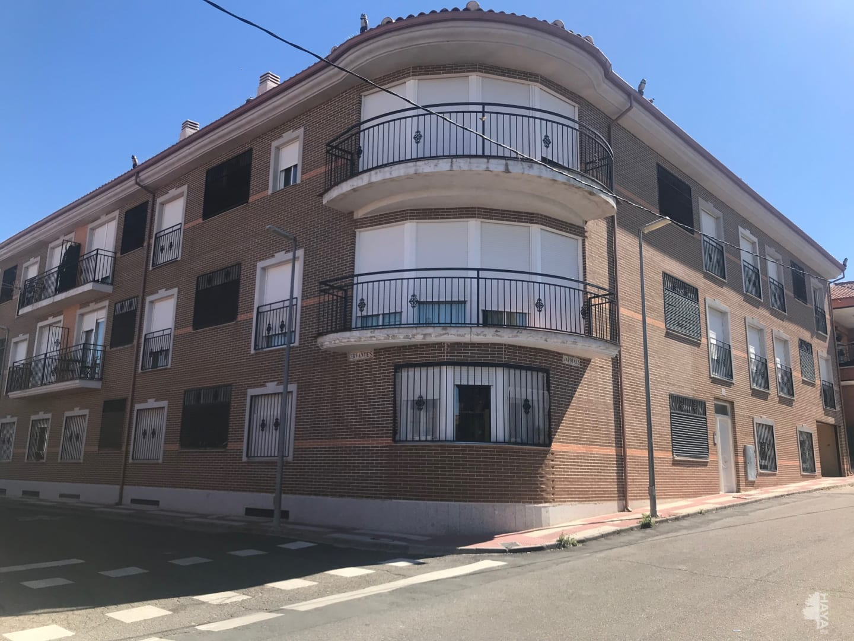 Piso en venta en Portillo de Toledo, Toledo, Calle Jardines, 61.350 €, 3 habitaciones, 2 baños, 182 m2