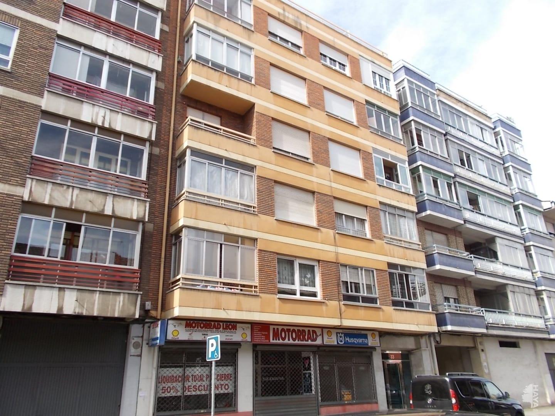 Piso en venta en Eras de Renueva, León, León, Calle Relojero Losada, 110.400 €, 3 habitaciones, 1 baño, 116 m2