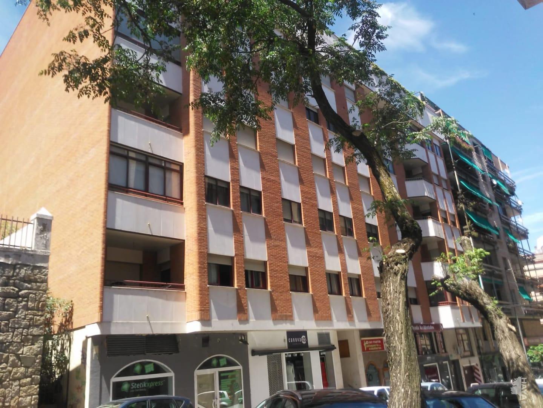 Piso en venta en Argentina, Cáceres, Cáceres, Calle Garcia Plata de Osma, 166.000 €, 4 habitaciones, 3 baños, 136 m2