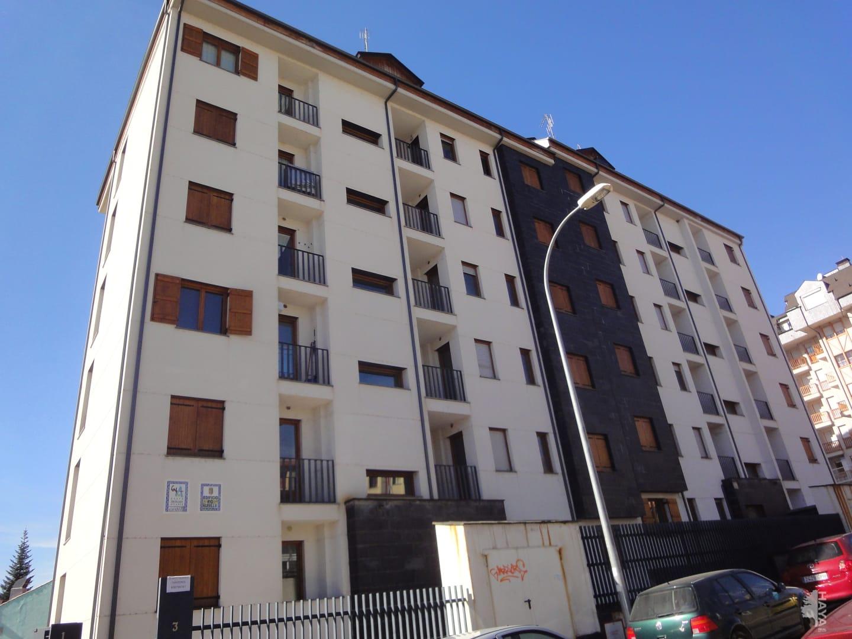 Piso en venta en Jaca, Huesca, Calle Infantadoa Sancha, 136.000 €, 2 habitaciones, 1 baño, 71 m2