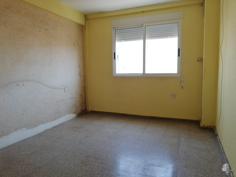 Piso en venta en Piso en Sagunto/sagunt, Valencia, 57.330 €, 3 habitaciones, 2 baños, 79 m2