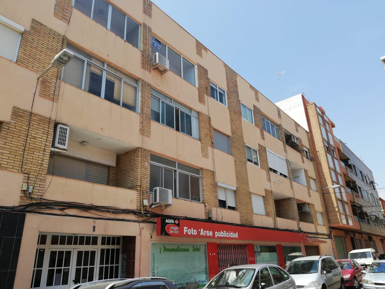 Piso en venta en El Port de Sagunt, Sagunto/sagunt, Valencia, Calle Luis Vives, 57.330 €, 3 habitaciones, 2 baños, 79 m2
