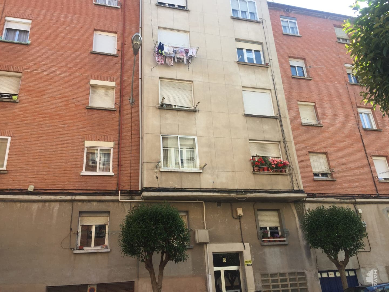 Piso en venta en La Estrella, Logroño, La Rioja, Calle San Matias, 53.000 €, 3 habitaciones, 1 baño, 85 m2