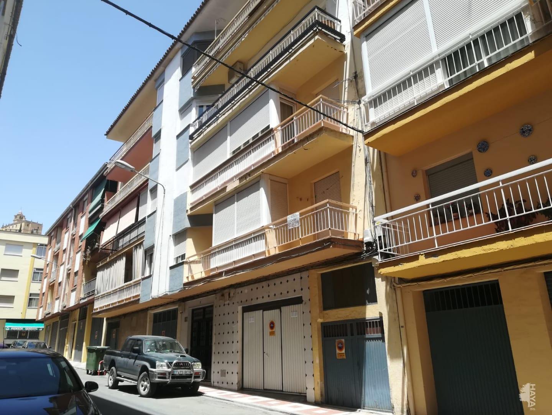 Piso en venta en Barrio de la Cruces, Alcalá la Real, Jaén, Calle Aben Zayde, 75.100 €, 3 habitaciones, 1 baño, 104 m2