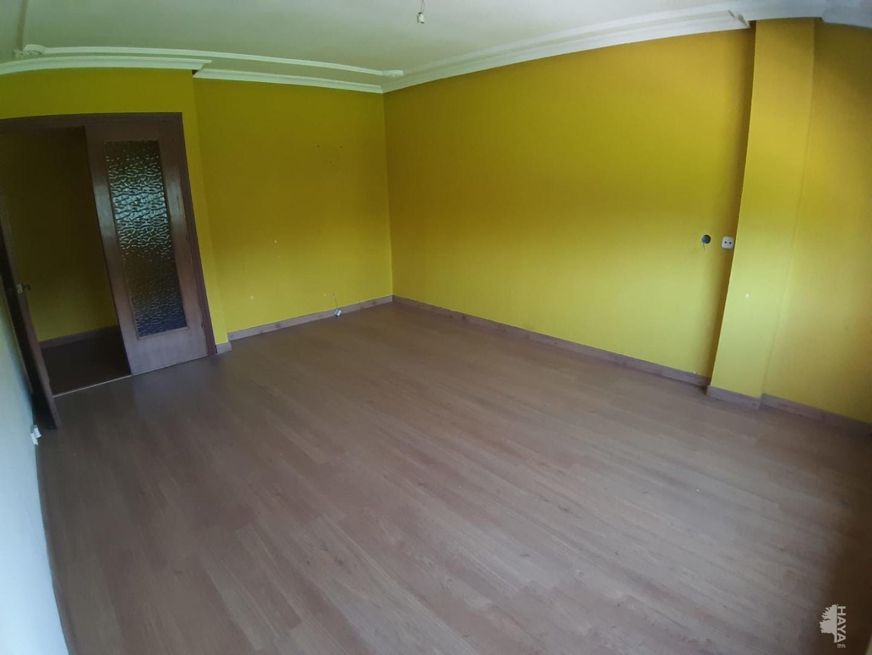 Piso en venta en Blimea, San Martín del Rey Aurelio, Asturias, Avenida de la Libertad, 53.000 €, 3 habitaciones, 1 baño, 117 m2