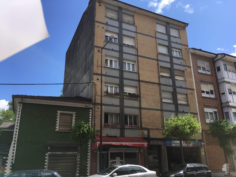 Piso en venta en Lugo de Llanera, Llanera, Asturias, Avenida Prudencio Gonzalez, 77.000 €, 3 habitaciones, 1 baño, 80 m2