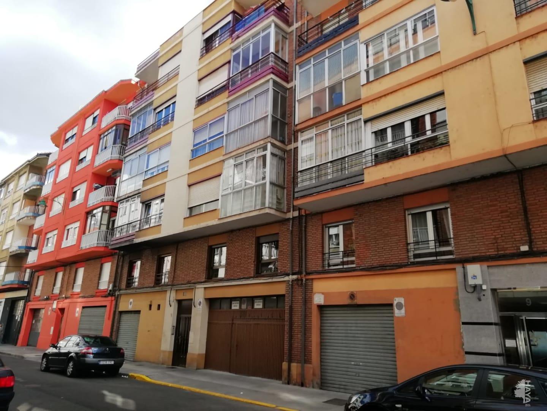 Piso en venta en Eras de Renueva, León, León, Calle los Templarios, 103.800 €, 3 habitaciones, 1 baño, 108 m2