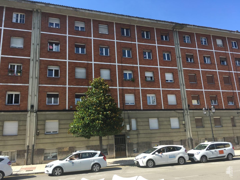 Piso en venta en San Lázaro Y Otero, Oviedo, Asturias, Avenida Torrelavega, 61.425 €, 3 habitaciones, 1 baño, 101 m2