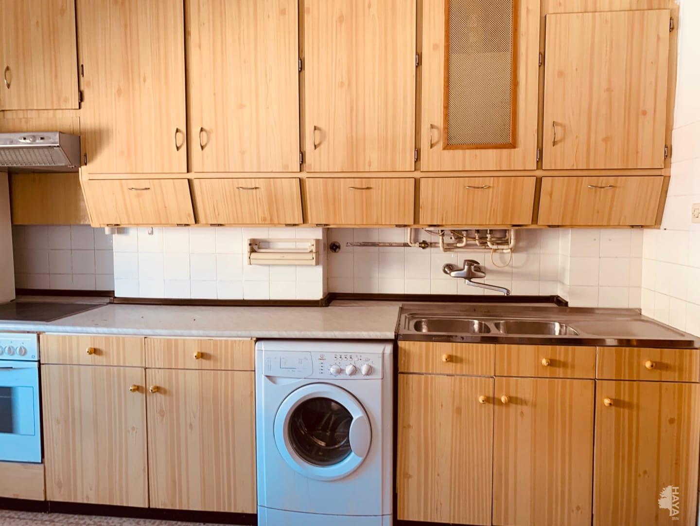 Piso en venta en Piso en Miranda de Ebro, Burgos, 66.675 €, 3 habitaciones, 1 baño, 96 m2