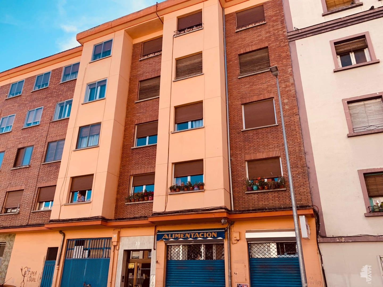 Piso en venta en Allende, Miranda de Ebro, Burgos, Calle del Clavel, 57.700 €, 3 habitaciones, 1 baño, 80 m2