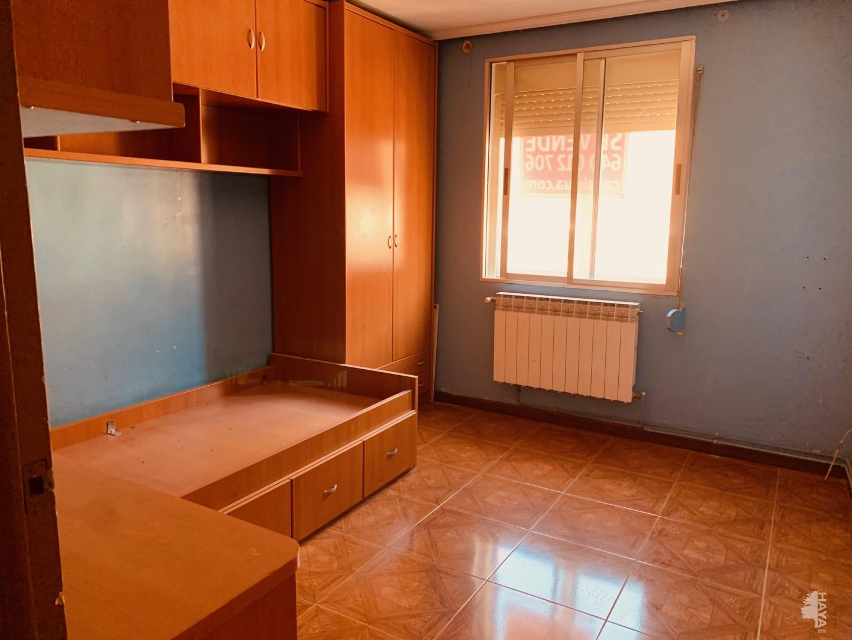 Piso en venta en Allende, Miranda de Ebro, Burgos, Calle Gregorio Solabarrieta, 60.375 €, 3 habitaciones, 1 baño, 89 m2