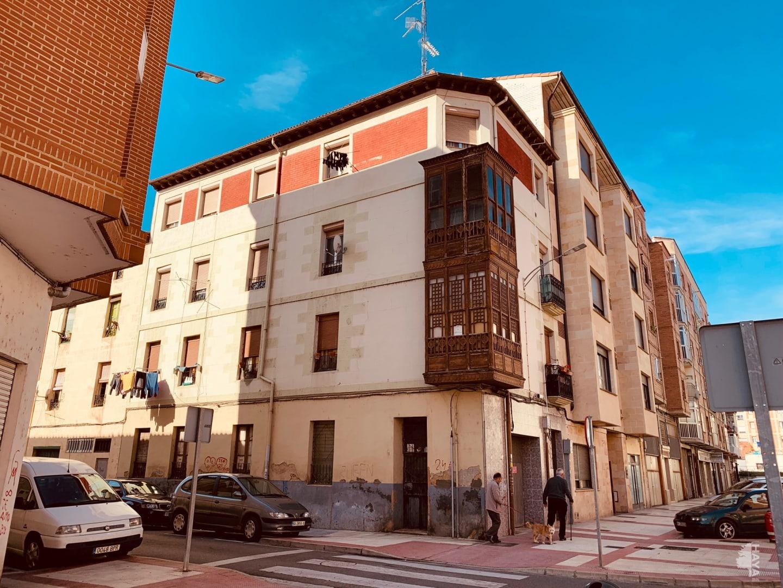Piso en venta en Allende, Miranda de Ebro, Burgos, Calle Santa Lucia, 51.450 €, 3 habitaciones, 1 baño, 111 m2