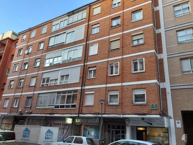Piso en venta en Vadillos, Burgos, Burgos, Calle Doña Berenguela, 72.800 €, 2 habitaciones, 1 baño, 57 m2